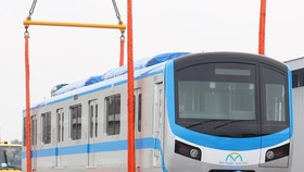 First wagons for Ben Thanh-Suoi Tien metro line arrives in HCMC in the begining of October. (Photo: SGGP)