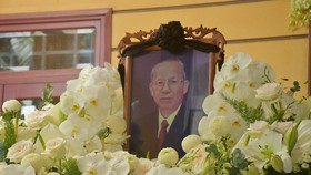 The home funeral of former Deputy Prime Minister Truong Vinh Trong is held in Giong Trom District's Luong Quoi Commune in the Mekong Delta province of Ben Tre. (Photo: SGGP)