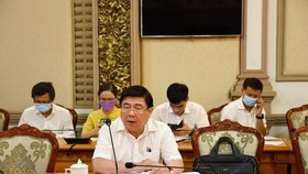 Chairman of the municipal People's Committee Nguyen Thanh Phong decides to cancel fireworks displays  on the Reunification Day (April 30) at a meeting on April 26. (Photo: SGGP)