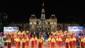 A special art performance marking the 46th anniversary of Southern Vietnam's Liberation and Reunification Day will be held in Nguyen Hue pedestrian street. (Photo: SGGP)