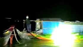 Six families of 28 are caught entering Vietnam from Cambodia illegally by boats.