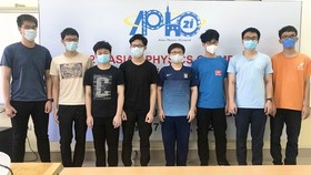 All eight students of Vietnamese team win medals and certificates of merit at IdPhO 2021.