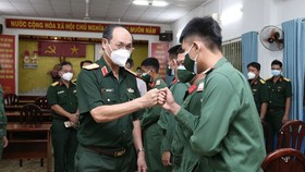 Military force begins campaign against Covid-19 in HCMC