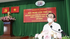Secretary of the HCMC Party Committee Nguyen Van Nen speak at the third session of the first term Thu Duc City Party Executive Committee of the 2020-2025 tenure. (Photo: SGGP)