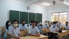 TPHCM trang bị miễn phí khẩu trang cho học sinh phổ thông và giáo dục thường xuyên