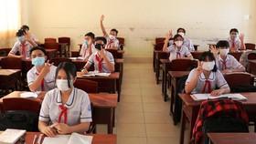 TPHCM: Điều chỉnh khoảng cách an toàn giữa 2 học sinh từ 2 mét còn 1 mét