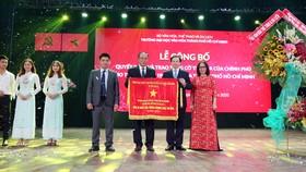 Trường Đại học Văn hóa TPHCM nhận cờ thi đua của Chính phủ và chứng nhận kiểm định chất lượng giáo dục