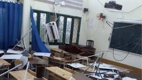 Trường THPT Bình Phú cho học sinh nghỉ học 2 ngày do bị tốc mái sau cơn mưa lớn chiều 31-10