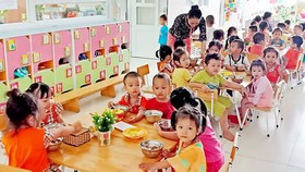 Một lớp học dành cho con công nhân tại Trường Mầm non Khu chế xuất Tân Thuận, TPHCM. Ảnh minh họa