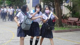 Học sinh tham gia kỳ thi tuyển sinh lớp 10 năm học 2020-2021