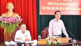 Ông Lữ Quang Ngời, Chủ tịch UBND tỉnh Vĩnh Long thông tin tại buổi họp báo