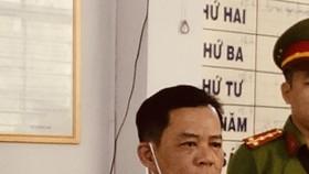 Bắt tạm giam giám đốc trộm sà lan