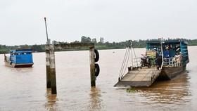 Bến Tre tạm dừng các bến phà đưa khách qua địa phận Tiền Giang