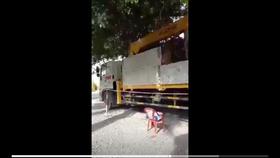 Làm rõ vụ Trưởng phòng CSGT Công an tỉnh Trà Vinh thuê xe chở cây trong thời gian giãn cách xã hội