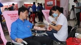 Hàng ngàn thanh niên trên địa bàn TPHCM tham gia ngày hội hiến máu