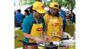 Gia đình chị Trần Thị Thanh Thủy tham gia hội thi nấu ăn