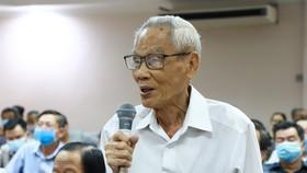 Cử tri Huỳnh Công Tấn phát biểu nhận xét tại hội nghị