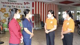 Đoàn Hội LHPN TPHCM đến thăm, động viên lực lượng tại khu cách ly Nhà thiếu nhi quận 11