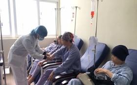 癌症病人接受治療。