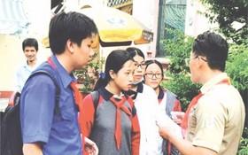 華人學生參加溯源行程。