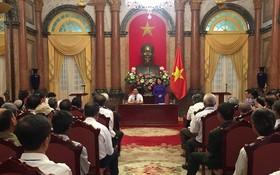 國家副主席鄧氏玉盛接見了太平省有功者代表團。(圖源:秋姮/VOV)