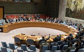 聯合國安理會當地時間5日一致通過第2371號決議,在進出口、勞務輸出、金融等方面對朝鮮實施更加嚴厲的制裁措施,並將更多朝鮮個人和實體納入制裁名單。(圖源:AP)