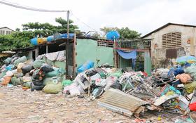 某廢料場放置的貨物不確保消防安全規定。
