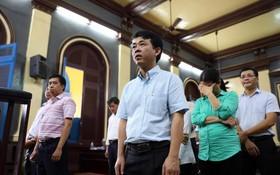 被告人阮明雄與同案犯出庭聽判。(圖源:友科)