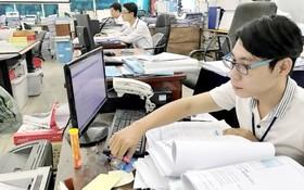 阮長創(右)已提出多項有貢獻的創意。