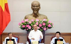 政府總理阮春福在9月份例會上發表指導意見。(圖源:VGP)