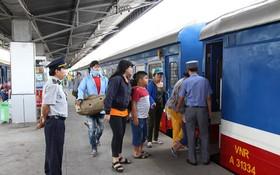 因颱風來襲而中斷10天的北-南鐵路於昨日中午已正式通行。(示意圖源:互聯網)