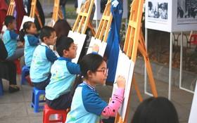 """圖為""""小孩眼中的和平""""繪畫比賽一瞥。(圖源:互聯網)"""
