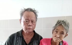 黃順華在醫院陪伴妻子。