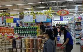 圖為芹苴市某一超市裡的春節平抑物價貨源。(示意圖源:VOV)