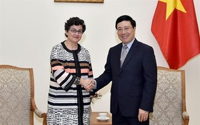 外交部長范平明(右)接見國際貿易中心(ITC)執行經理阿蘭查‧岡薩雷斯。(圖源:俊英)