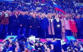 普京在集會現場。(圖源:互聯網)