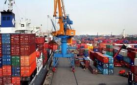 我國港口的進出口活動頻繁。