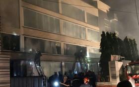 消防隊聞訊後趕抵現場滅火。