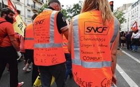 今年,法國鐵路公司職工抗議政府改革計劃的3個月罷工已造成該公司損失7億9000萬歐元。(圖源:Le Figaro)