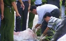 法醫趕往現場進行驗屍。(圖源:光英)