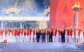 我國體育代表團在「越南自豪」表彰會上。