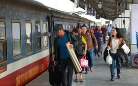乘客2018年春節在第三郡西貢火車站乘車。