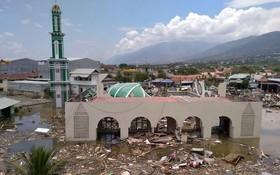 帕盧的一座清真寺在海嘯中受損嚴重。(圖源:AP)