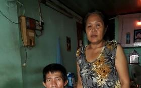 石氏燕娟每天賣彩票掙錢給丈夫治病。