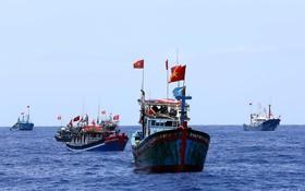 在越南黃沙漁場作業的漁船。