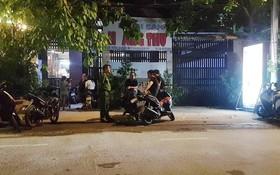 警方趕抵搶劫案發地勘查現場。(圖源:志石)