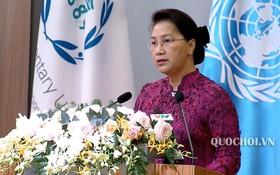 國會主席阮氏金銀在會上致開幕詞。(圖源:Quochoi.vn)