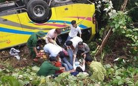 救護人員把傷者移離現場送去救治。(圖源:玉壤)