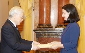 總書記、國家主席阮富仲接受保加利亞 共和國大使遞交國書。(圖源:智勇)