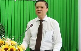 新任芹苴市人委會副主席楊晉顯。(圖源:黎民)